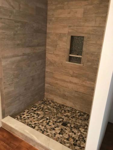 Slides Shower Stones